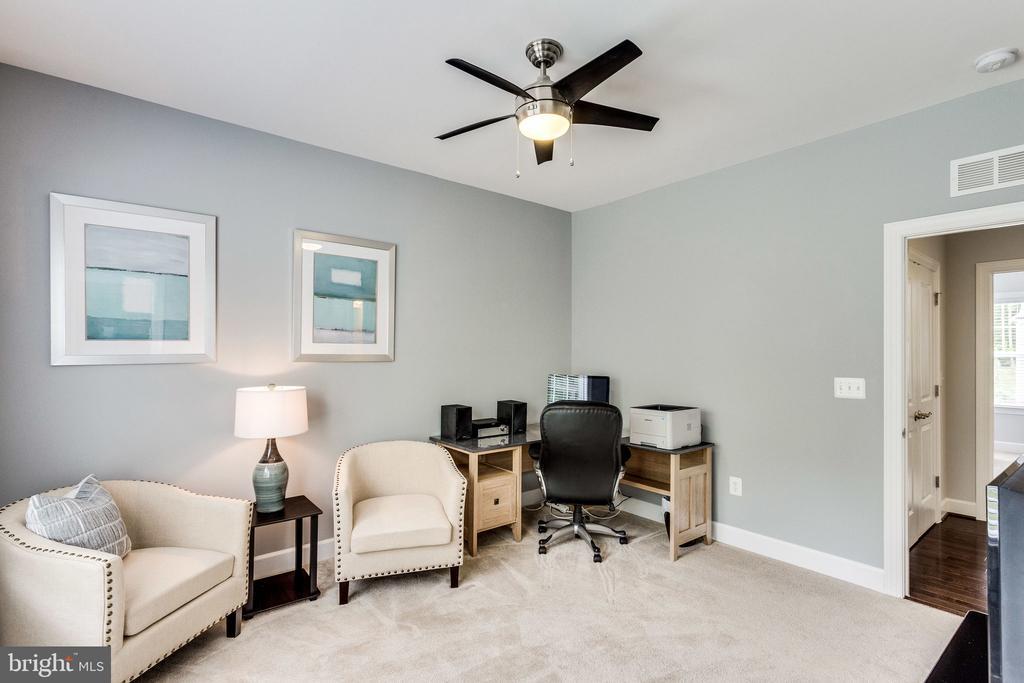 All guest bedrooms have ceiling fans - 41684 WAKEHURST PL, LEESBURG