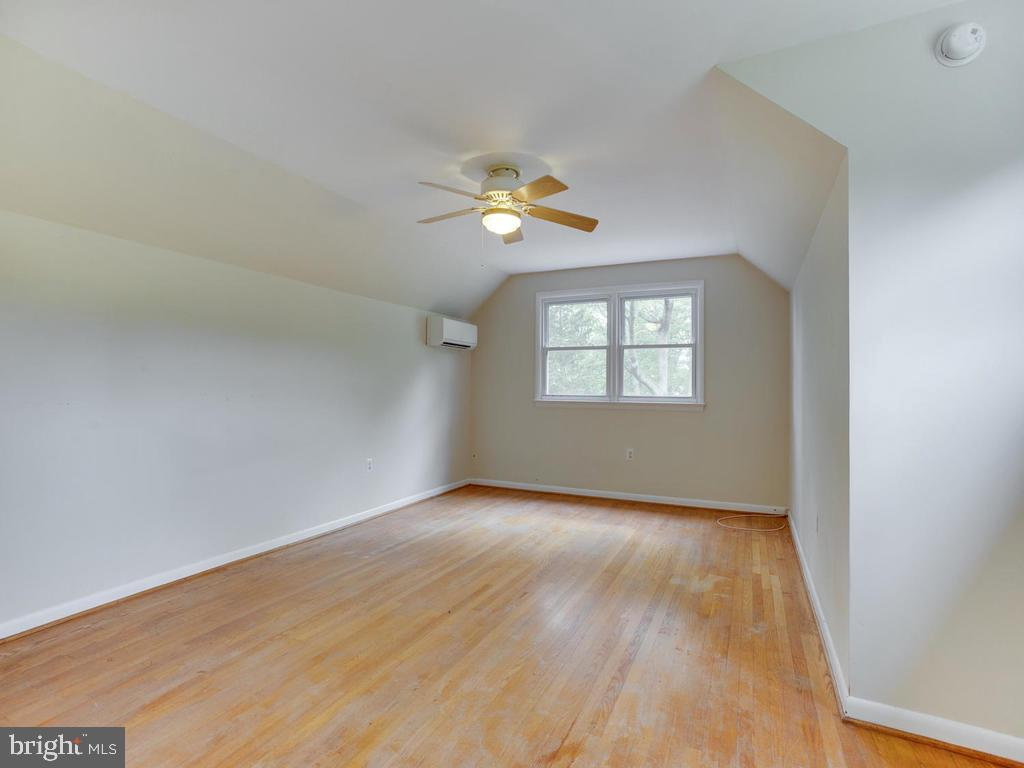 Second Floor bedroom - 9685 HOWES RD, DUNKIRK