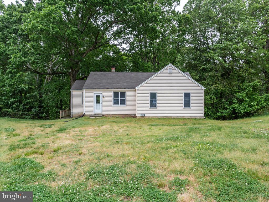 Small house - 9685 HOWES RD, DUNKIRK