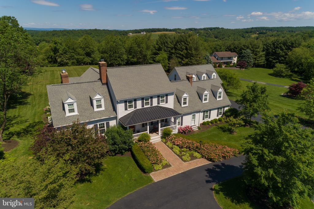 Gorgeous  & Expansive Colonial on 3.42 Acres - 3842 MOUNT AIRY DR, MOUNT AIRY