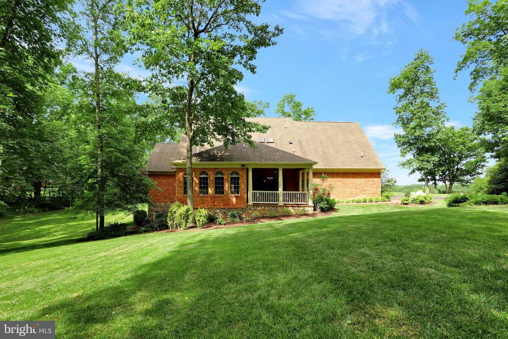 - 92 EARLE RD, CHARLES TOWN