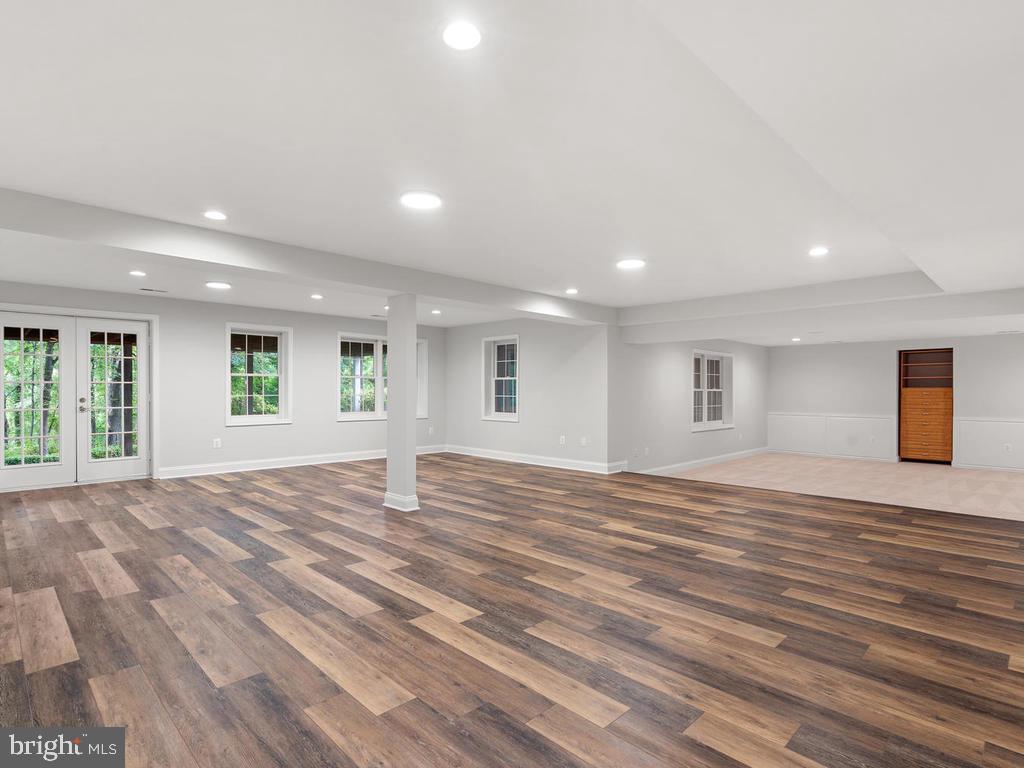 Recreation Room w/ Full Walk-Out - 13716 SAFE HARBOR CT, ROCKVILLE