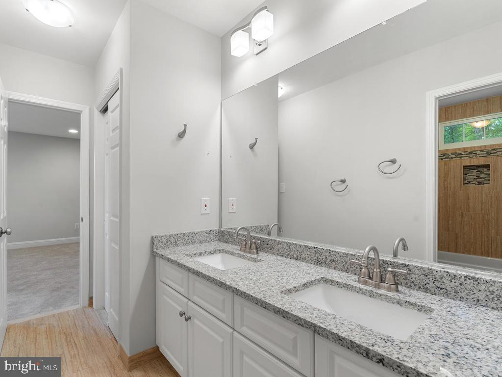 Buddy Bathroom - 13716 SAFE HARBOR CT, ROCKVILLE