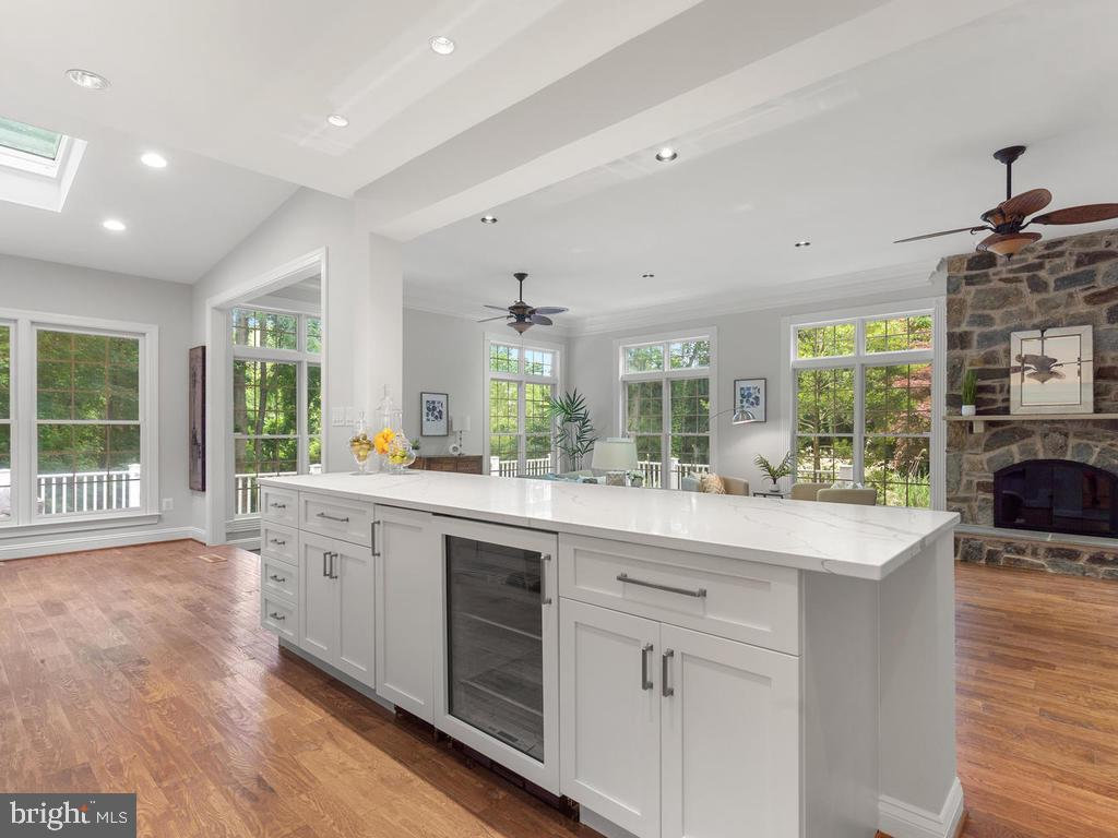 Kitchen Serving Center open to Family Room - 13716 SAFE HARBOR CT, ROCKVILLE