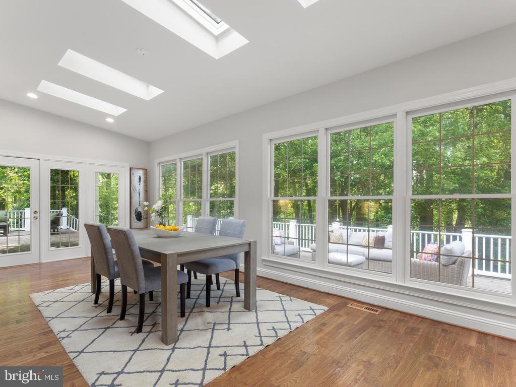 Breakfast Room w/ Full Window Surround - 13716 SAFE HARBOR CT, ROCKVILLE