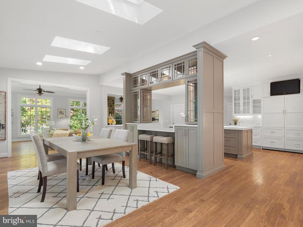 Breakfast Room Open to Kitchen - 13716 SAFE HARBOR CT, ROCKVILLE