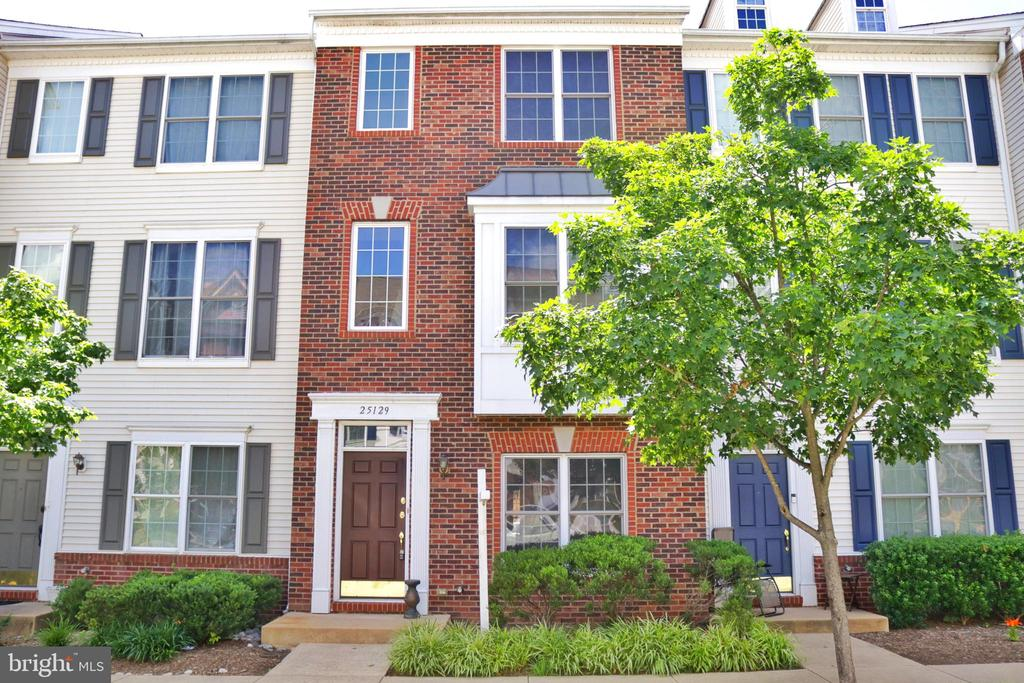 - 25129 MCBRYDE TER, CHANTILLY
