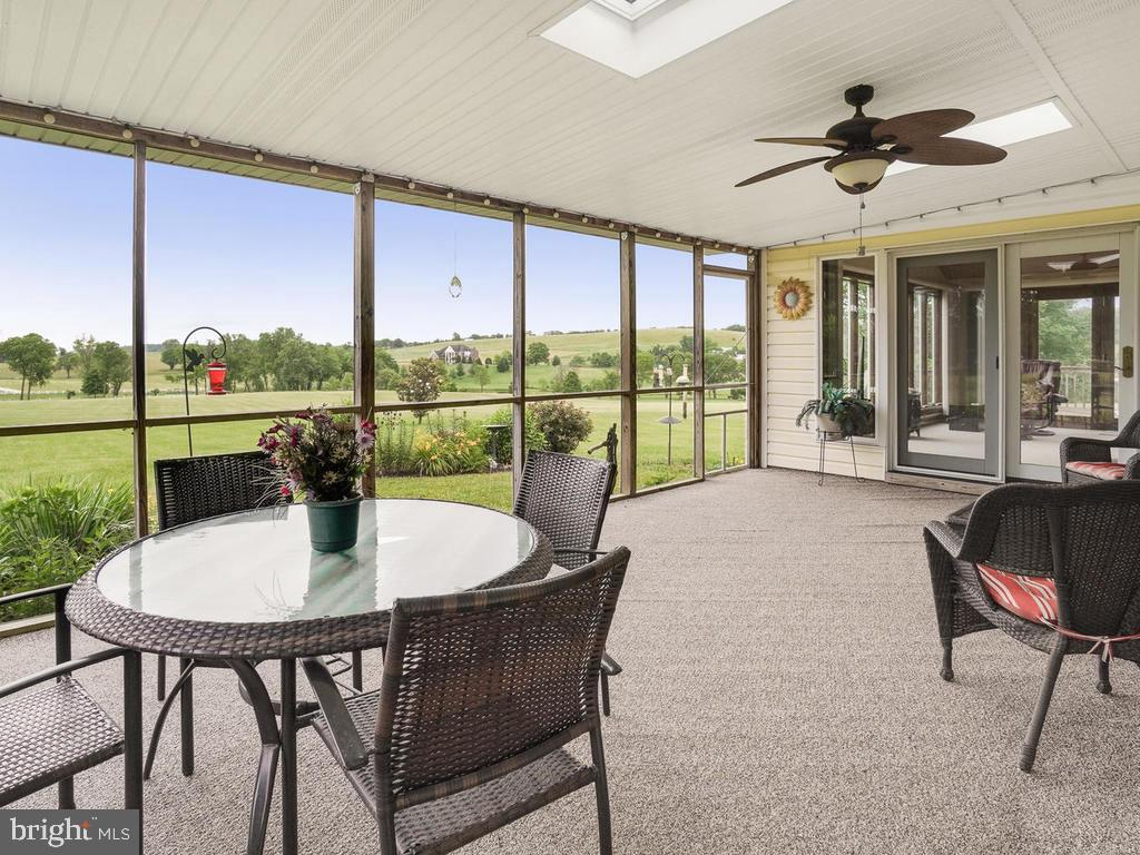 Screened Porch off M BR - 1719 GREENFIELD RD, ADAMSTOWN