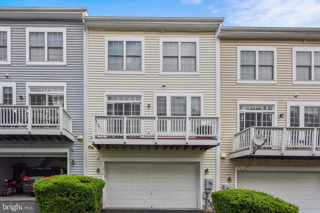 Oversized Two Car Garage with Storage - 1216 GAITHER RD, ROCKVILLE