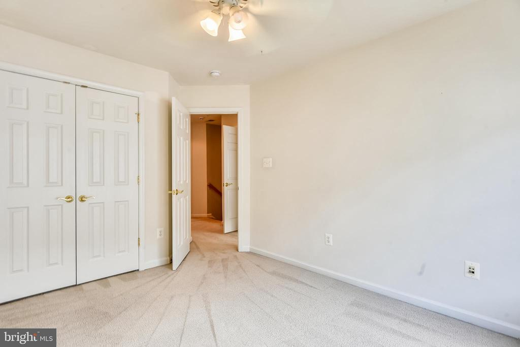 Third Bedroom with Large Closet and Ceiling Fan - 1216 GAITHER RD, ROCKVILLE