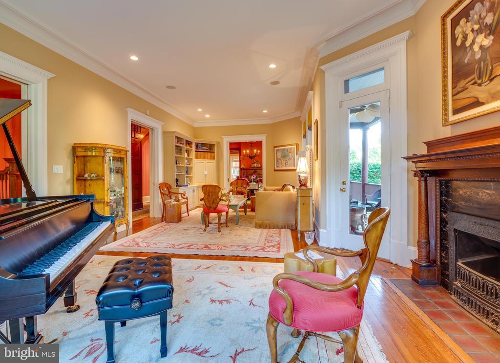 Living Room - 712 E CAPITOL ST NE, WASHINGTON