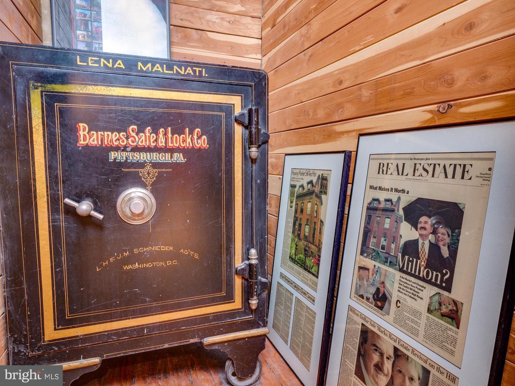 Mrs. Malnati's safe in Main Level Coat Closet - 712 E CAPITOL ST NE, WASHINGTON
