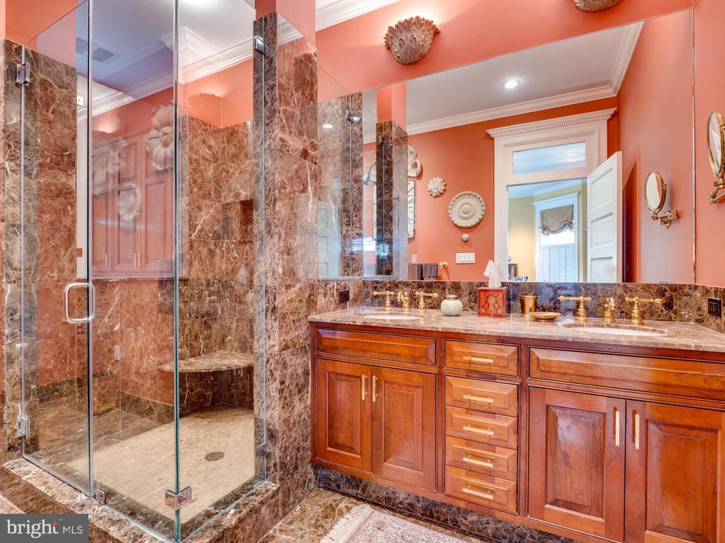 Master Bathroom - 712 E CAPITOL ST NE, WASHINGTON