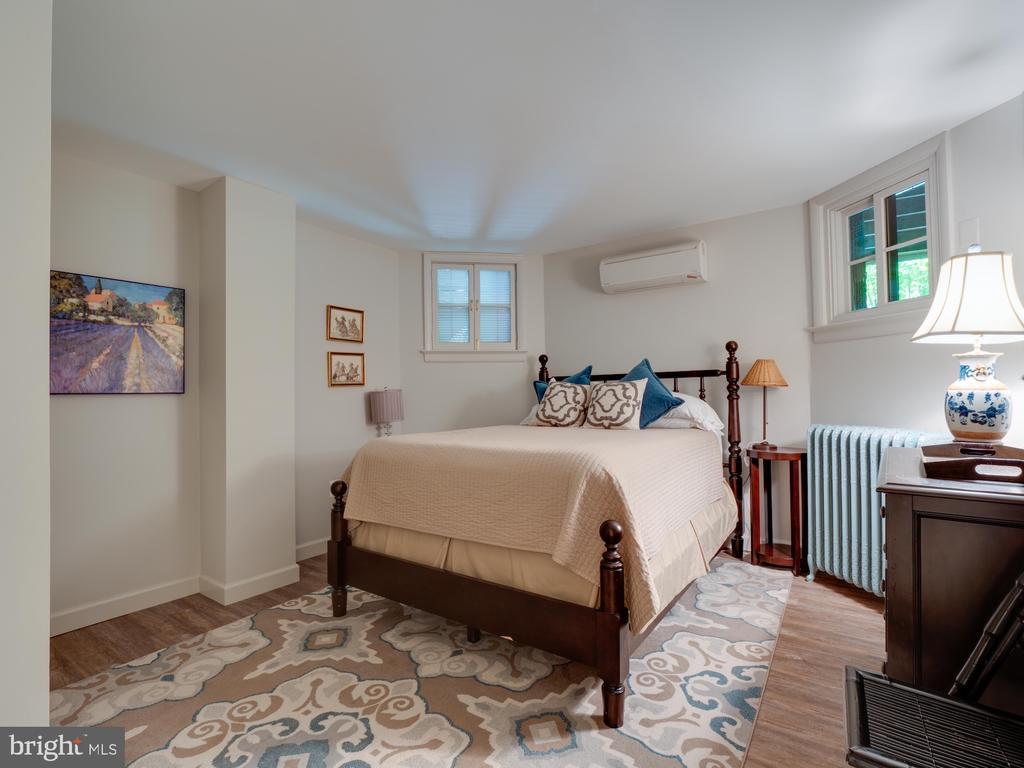 In-law Suite Rear Bedroom - 712 E CAPITOL ST NE, WASHINGTON
