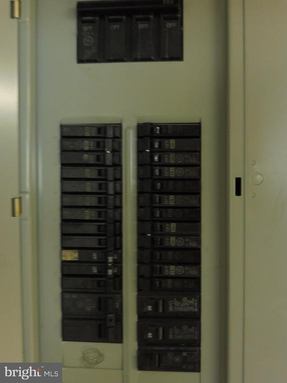 Updated electrical panel - 5825 BROOKVIEW DR, ALEXANDRIA