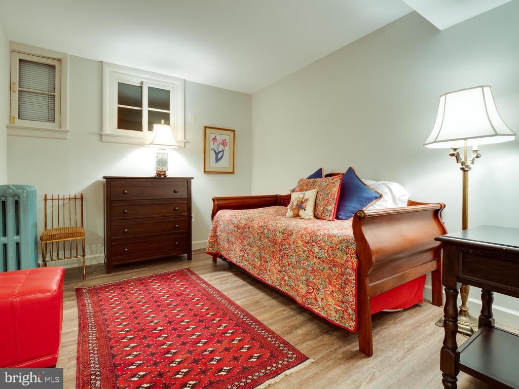 In-law Suite Bedroom - 712 E CAPITOL ST NE, WASHINGTON