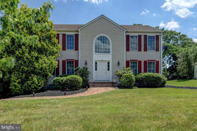 Single Family Homes pour l Vente à Flemington, New Jersey 08822 États-Unis