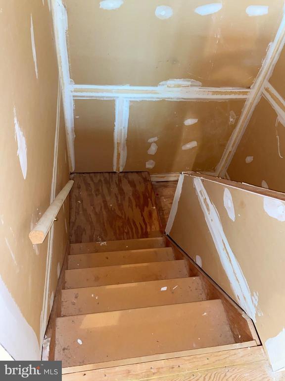 Unfinished Upper Stairwell - 13507 DEMETRIAS WAY, GERMANTOWN