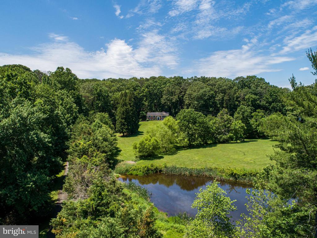 House behind the pond and field - 2718 FOX MILL RD, OAK HILL