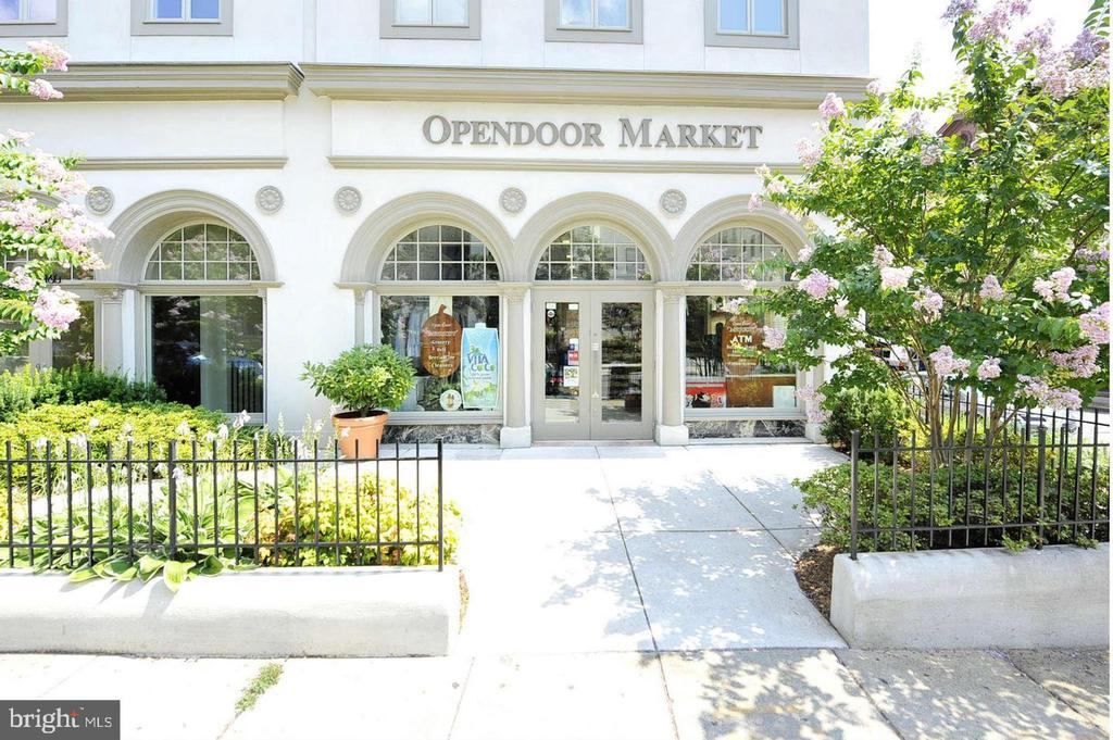 Convenient Opendoor Market  -- Local Grocery Store - 2153 CALIFORNIA ST NW #306, WASHINGTON