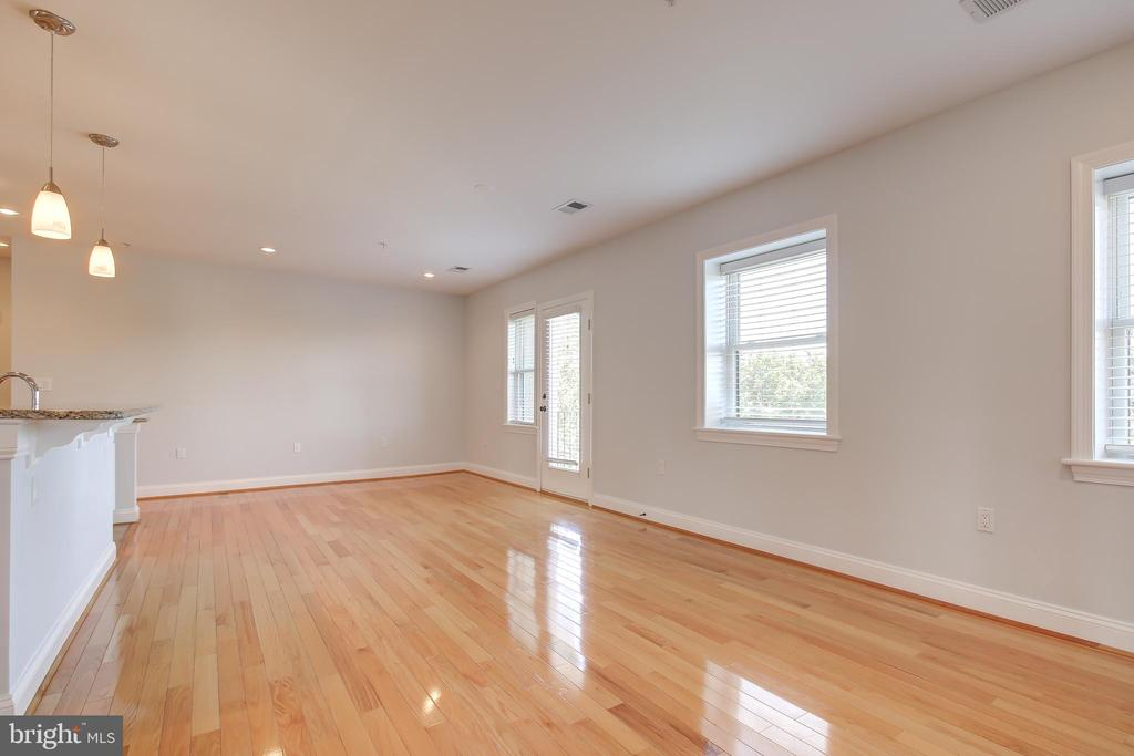 Generous Sunlight FR with Balcony - 5511 COLORADO AVE NW #501, WASHINGTON