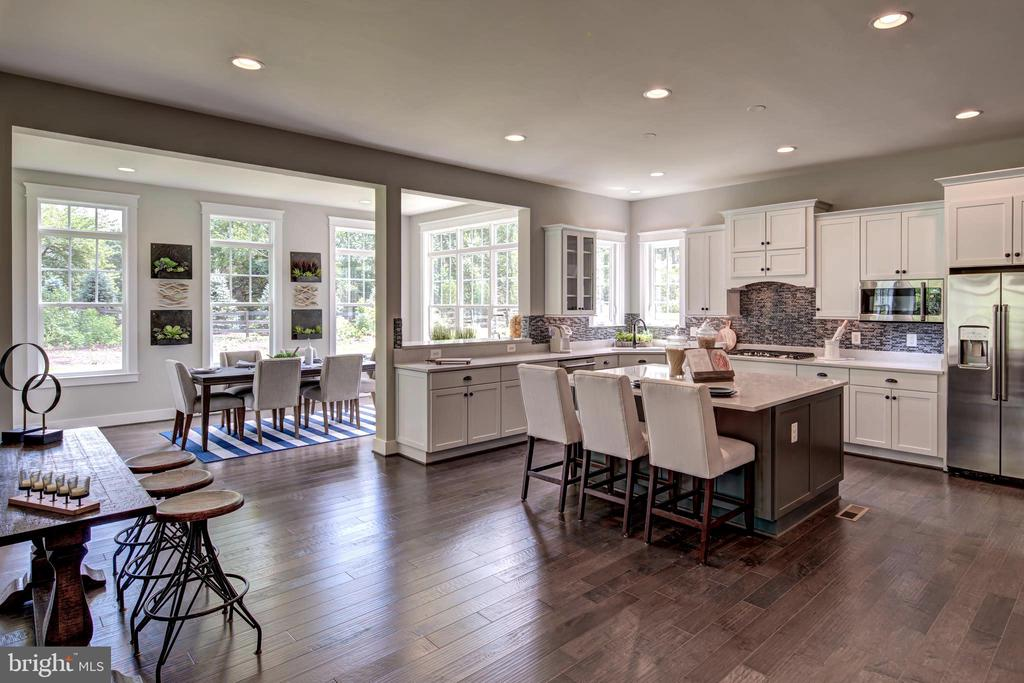 Large Kitchen w/ Morning Room (previous model pic) - 3007 WEBER PL, OAKTON