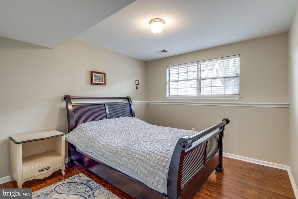 Lower Level Bedroom - 47597 COMER SQ, STERLING