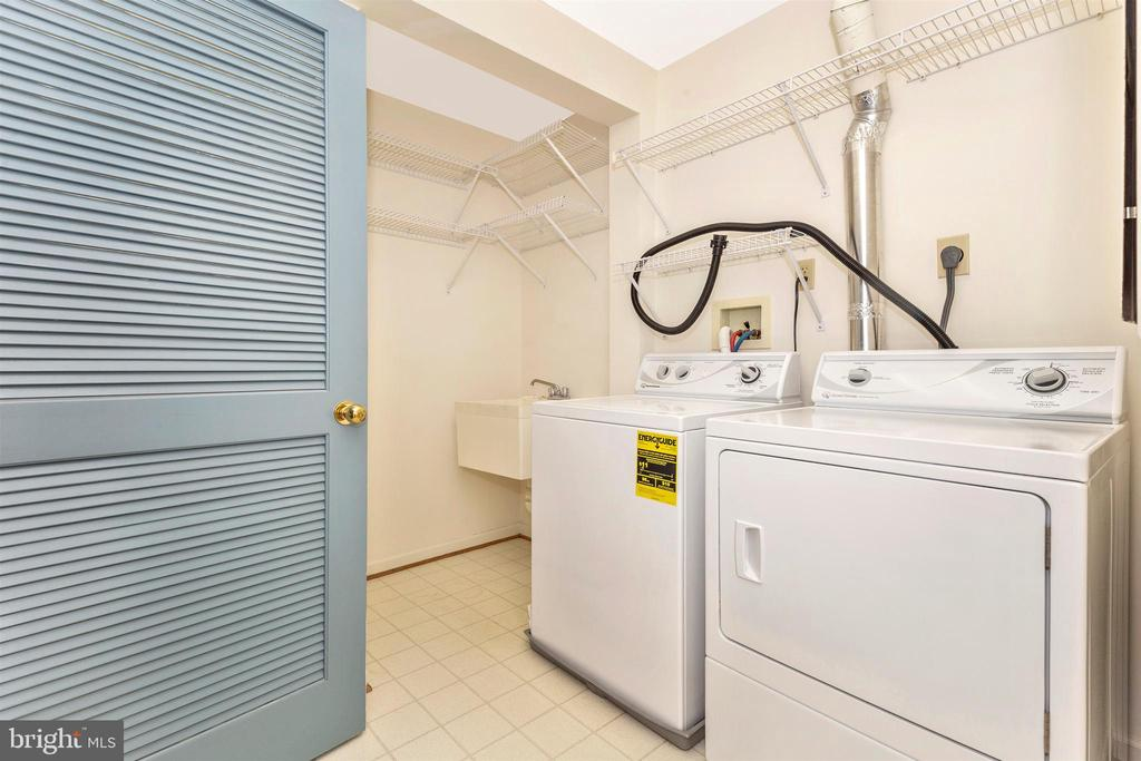 Spacious laundry room - 102 MERCER CT #25  6, FREDERICK