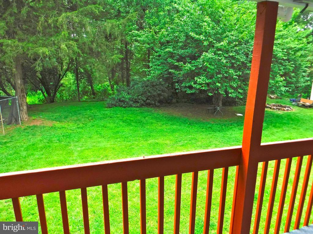 View of 1-acre secluded back yard - 9894 PAR DR, NOKESVILLE