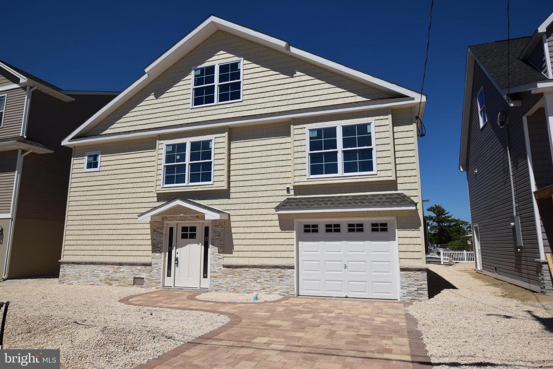Single Family Homes 为 销售 在 Manahawkin, 新泽西州 08050 美国