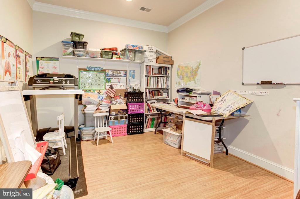 Homeschool Area or future Media/Exercise Room - 16215 CYPRESS CT, DUMFRIES