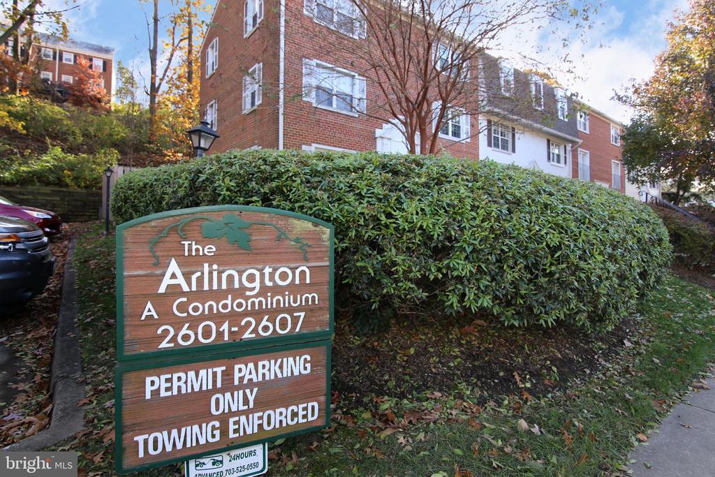 Location, Location, Location! - 2603 S WALTER REED DR #A, ARLINGTON