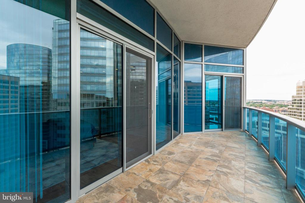 Terrace 2 with Access from Living room and Guest S - 1881 N NASH ST #1803, ARLINGTON