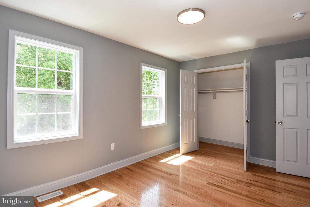 Master Bedroom with Large Closets - 707 56TH PL NE, WASHINGTON