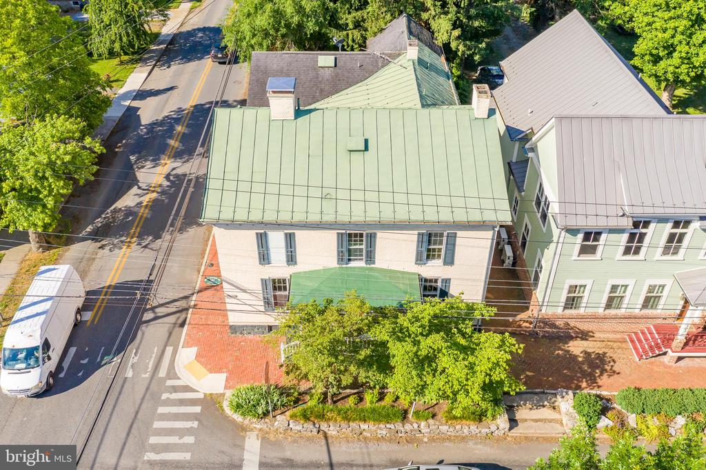 Overview of front of Home on W German St. - 300 W GERMAN ST, SHEPHERDSTOWN