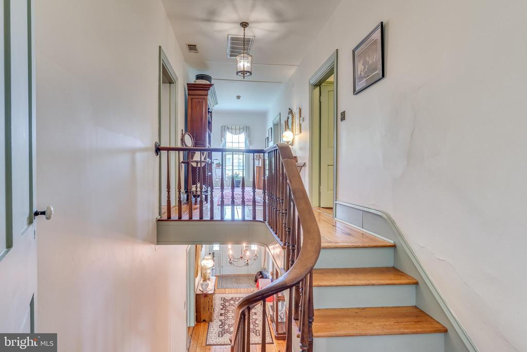 Stairs from main level to upper hall - 300 W GERMAN ST, SHEPHERDSTOWN