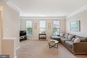 Spacious living room - 13011 PARK CRESCENT CIR, HERNDON