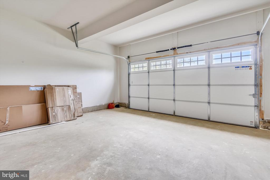Spotless garage awaits your vehicles/workshop - 2905 RANDOM RD, FALLS CHURCH