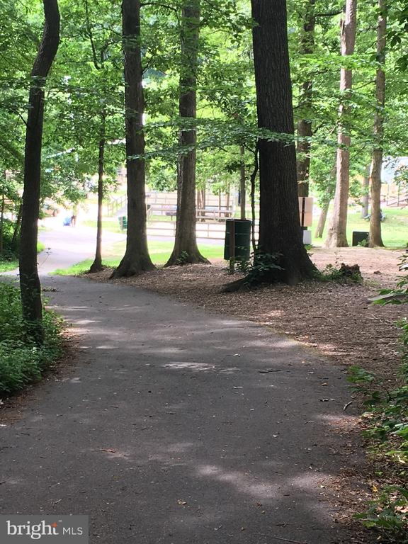 Walking Trails in wooded areas - 7701 HEMING PL, SPRINGFIELD