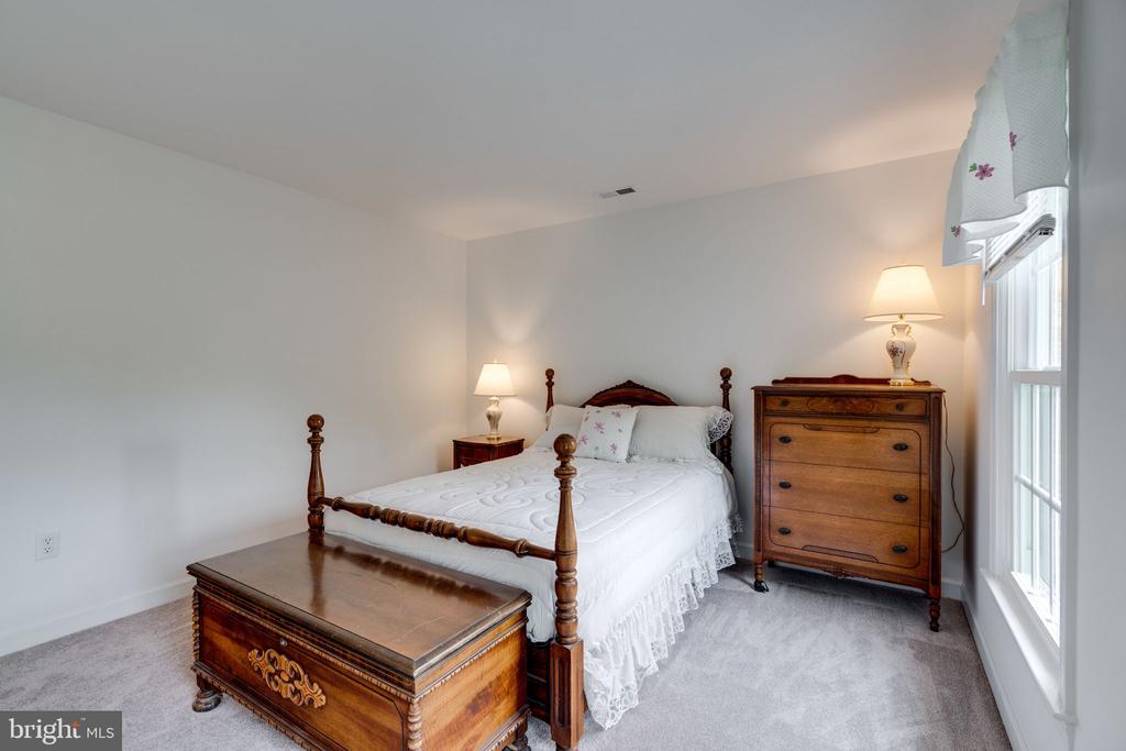 Bedroom 4 view 2 - 9413 ENGLEFIELD CT, FAIRFAX STATION