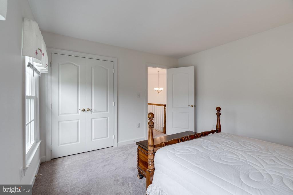 Bedroom 4 view 3 - 9413 ENGLEFIELD CT, FAIRFAX STATION