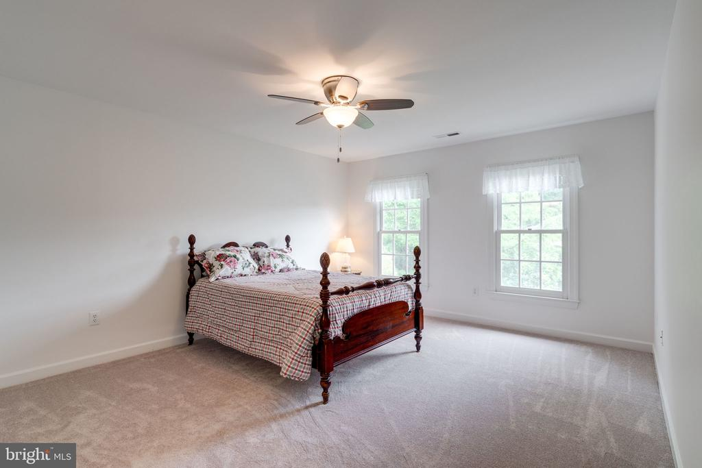 Bedroom 3 with Carpeted Floors and Ceiling Fan - 9413 ENGLEFIELD CT, FAIRFAX STATION