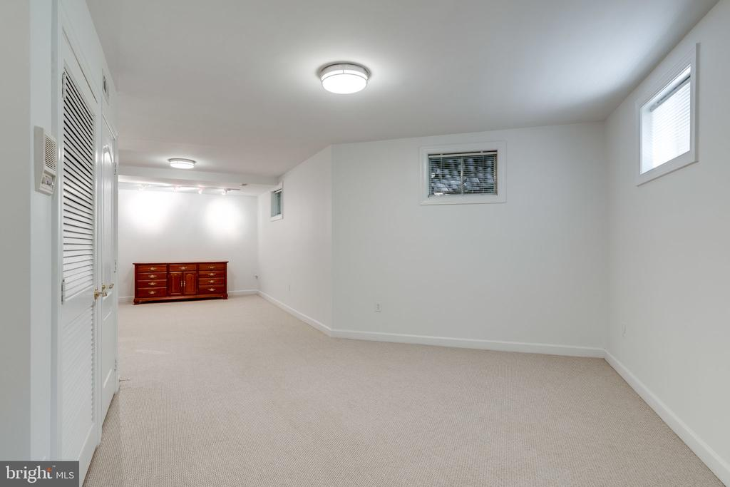 Basement - Fully Carpeted - 9413 ENGLEFIELD CT, FAIRFAX STATION