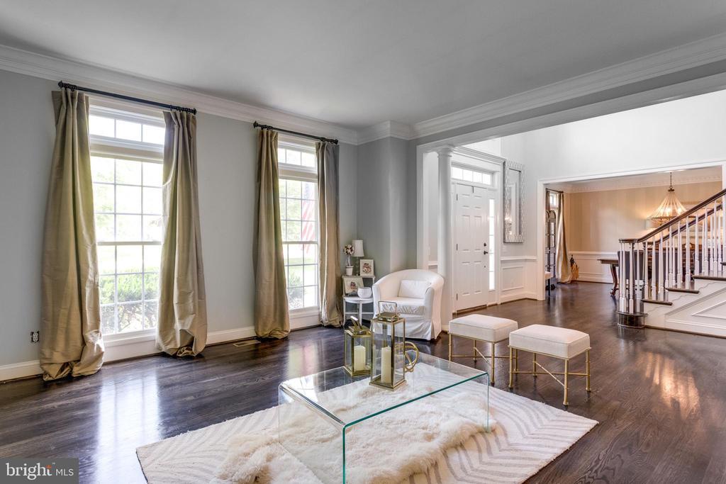 Formal living room. - 2796 MARSHALL LAKE DR, OAKTON
