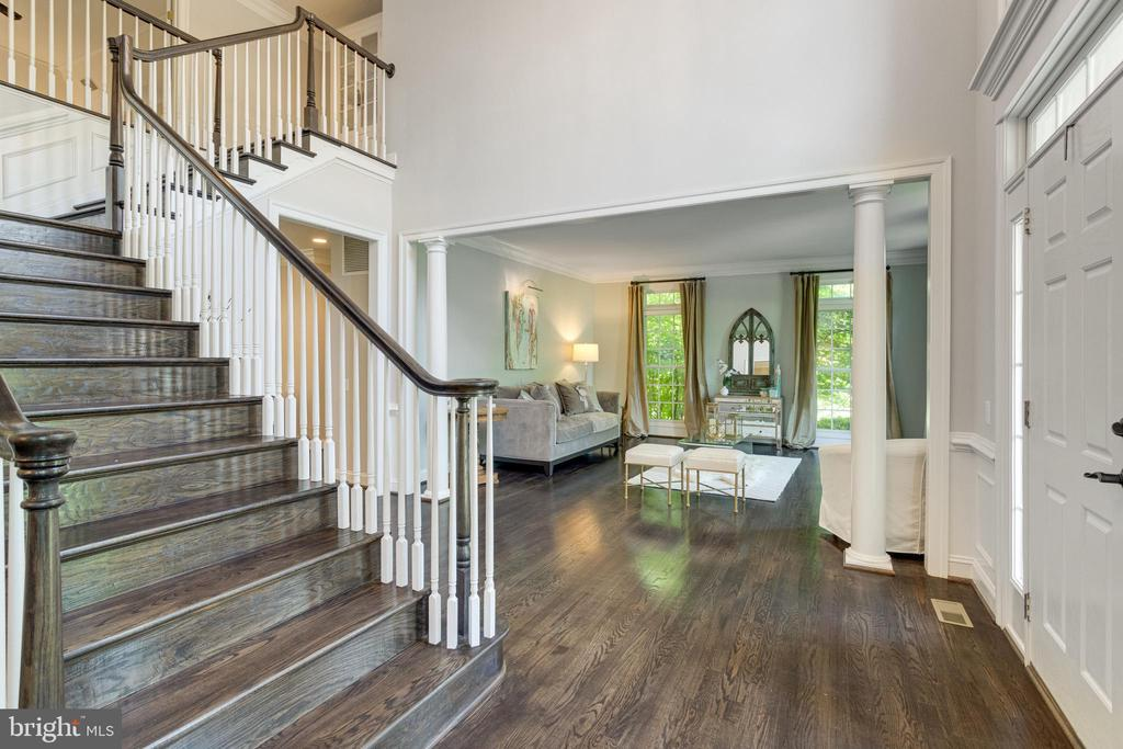 Stairs and wood floors beautifully refinished. - 2796 MARSHALL LAKE DR, OAKTON