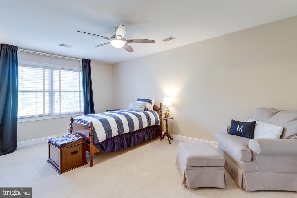 Bedroom #4 - 2796 MARSHALL LAKE DR, OAKTON