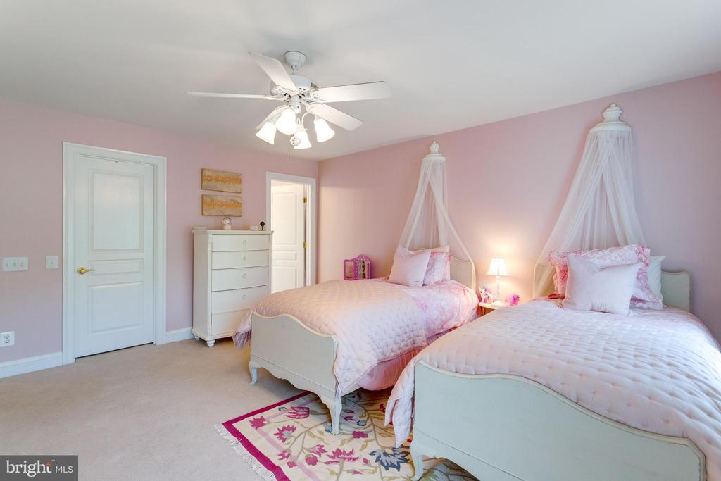 Bedroom #2 - 2796 MARSHALL LAKE DR, OAKTON