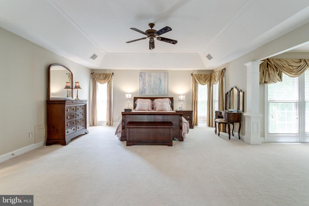 Sumptuous Owner's Retreat. - 2796 MARSHALL LAKE DR, OAKTON