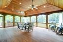 530 square foot screened porch off sun room. - 2796 MARSHALL LAKE DR, OAKTON
