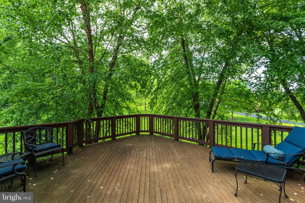 1 of 2 decks on either side of screened porch. - 2796 MARSHALL LAKE DR, OAKTON